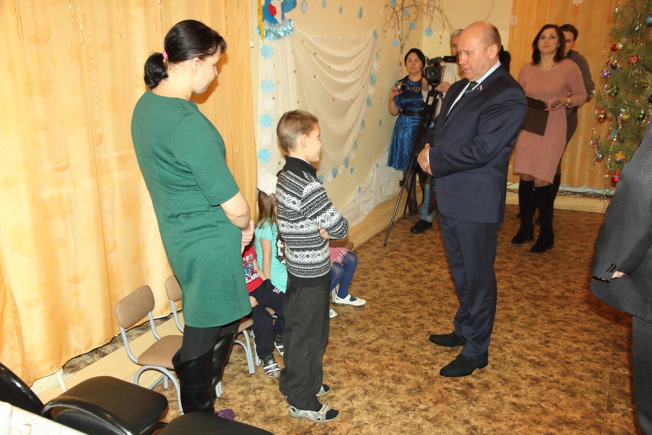 9 летний герой Никита Копылов рассказывает, как спасал младших брата и сестёр